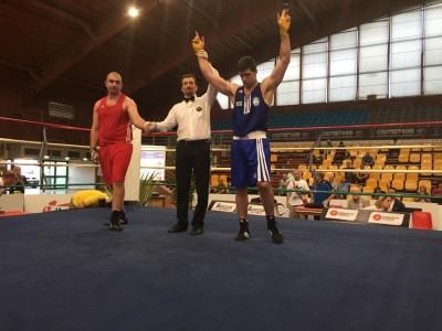 La proclamazione del vincitore nella gara di Pugilato in cui Saracino ha conquistato l'argento