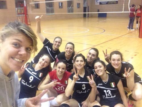 cusudine volleyf selfie